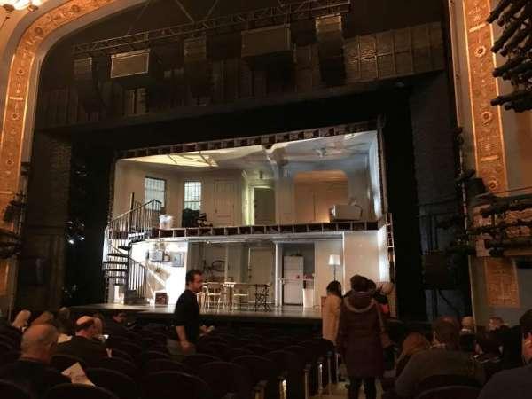 Gerald Schoenfeld Theatre, secção: Orchestra R, fila: M, lugar: 2