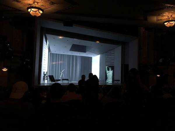 Gerald Schoenfeld Theatre, secção: Orchestra L, fila: P, lugar: 11