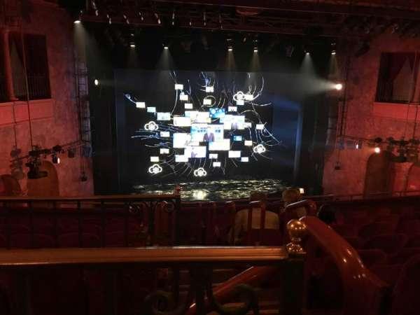August Wilson Theatre, secção: Mezzanine L, fila: H, lugar: 1