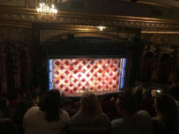 Brooks Atkinson Theatre, secção: Rear Mezzanine LC, fila: L, lugar: 126