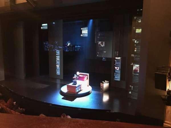 Music Box Theatre, secção: Mezzanine R, fila: A, lugar: 12