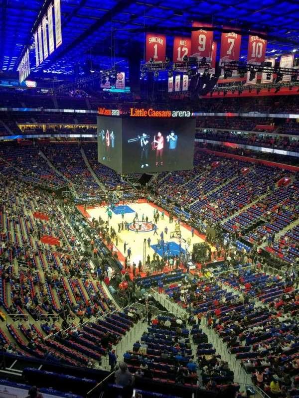 Little Caesars Arena, secção: 221, fila: 1, lugar: 16