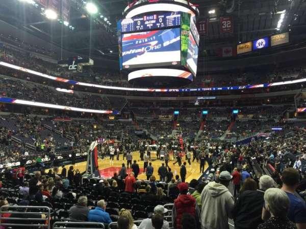 Capital One Arena, secção: 118, fila: H, lugar: 7-8