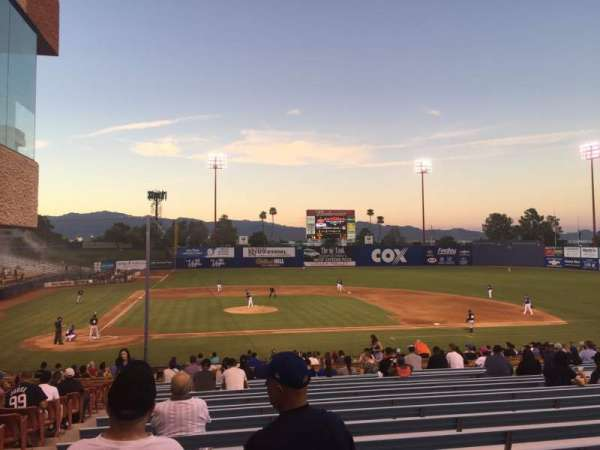 Cashman Field, secção: 16, fila: ZZ, lugar: 5-6