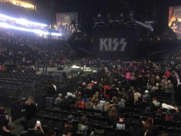 T-Mobile Arena, secção: 12, fila: A, lugar: 4