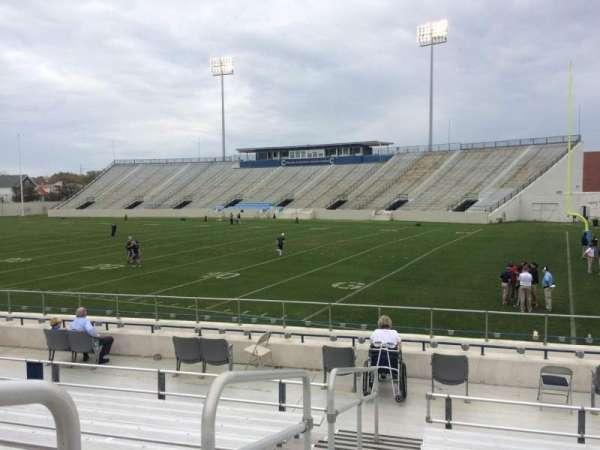 Johnson Hagood Stadium, secção: A, fila: 12, lugar: 16