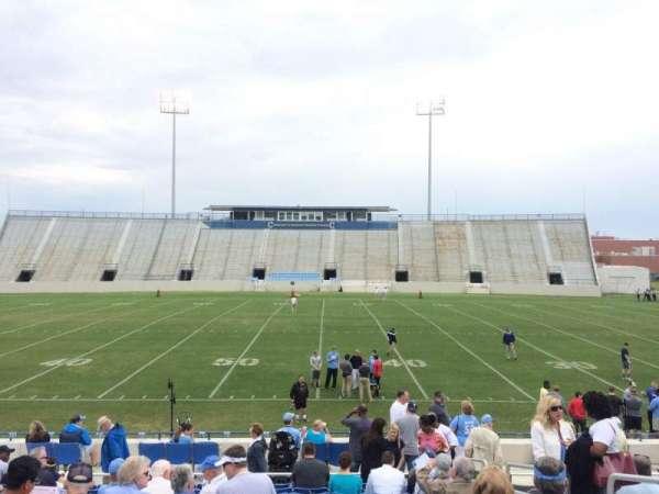 Johnson Hagood Stadium, secção: G, fila: 14, lugar: 3