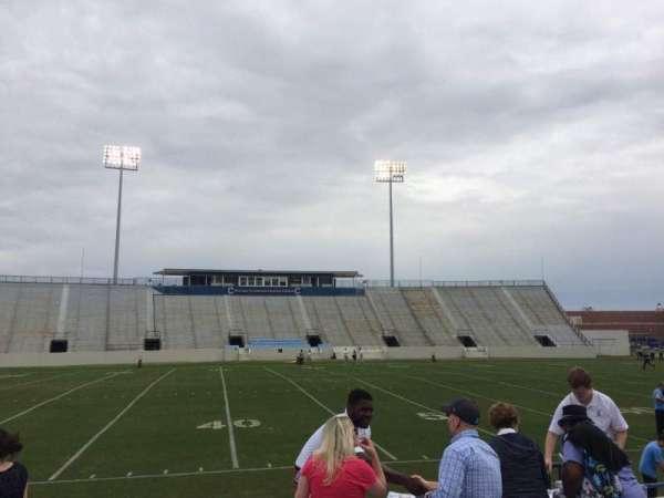 Johnson Hagood Stadium, secção: H, fila: 3, lugar: 5