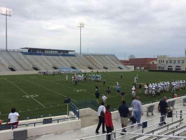 Johnson Hagood Stadium, secção: L, fila: 10, lugar: 5