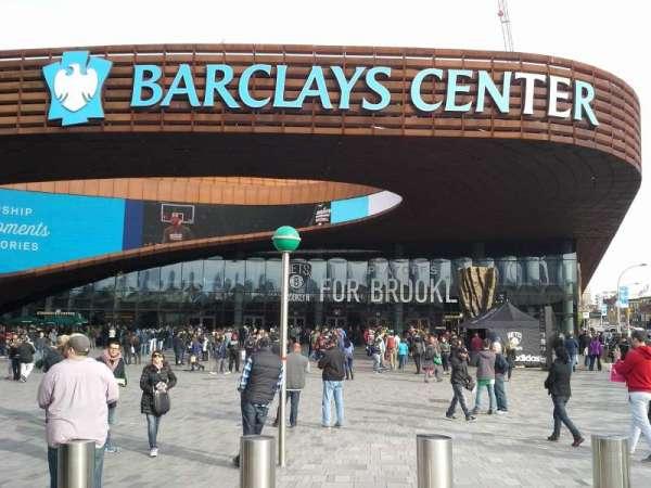 Barclays Center, secção: Entrance