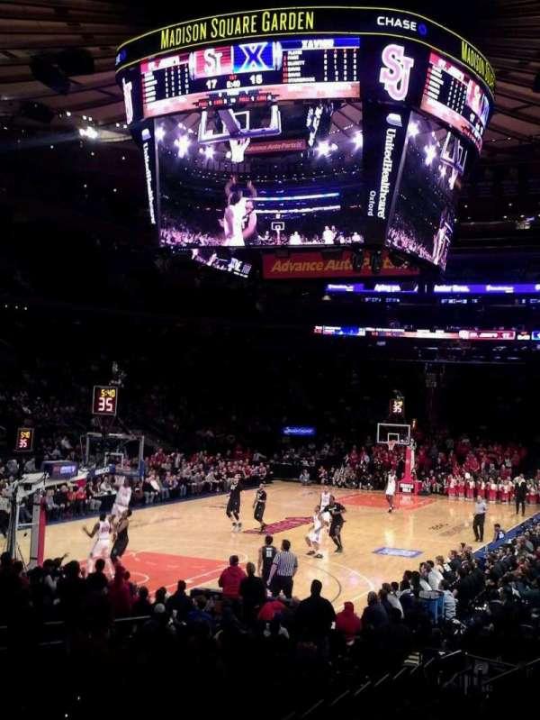 Madison Square Garden, secção: 104, fila: 10, lugar: 1