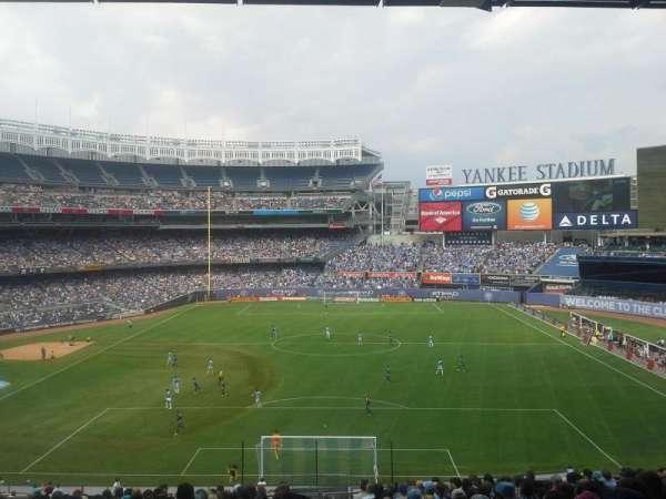 Yankee Stadium, secção: 213, fila: 20, lugar: 1