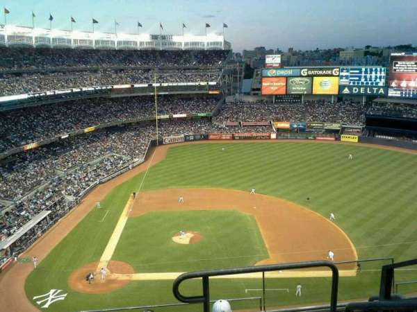 Yankee Stadium, secção: 417, fila: 5, lugar: 1