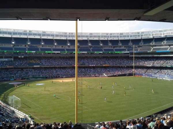 Yankee Stadium, secção: 208, fila: 20, lugar: 1