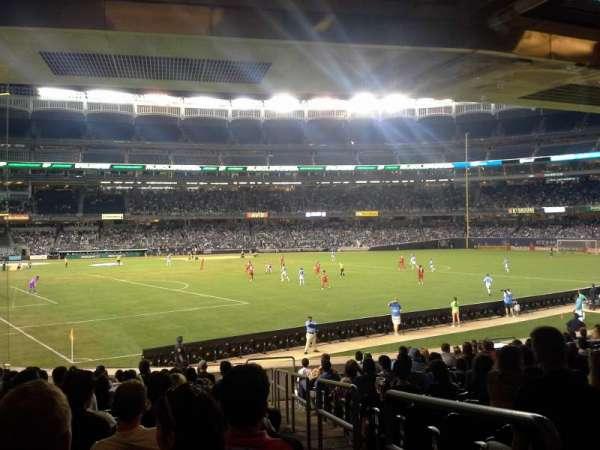 Yankee Stadium, secção: 107, fila: 25, lugar: 1