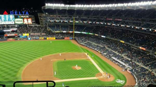 Yankee Stadium, secção: 424, fila: 6, lugar: 19