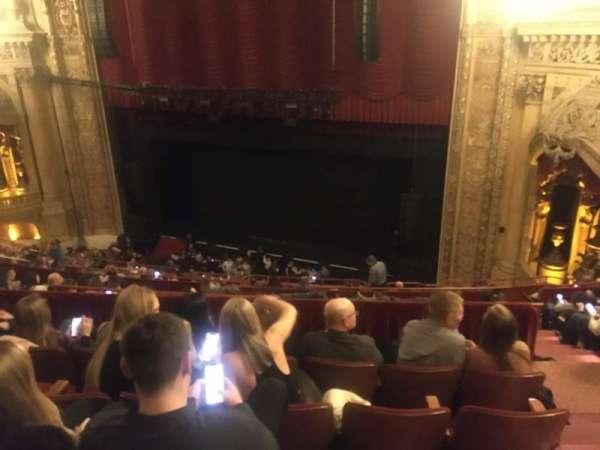 Chicago Theatre, secção: Balcony2R, fila: K, lugar: 220