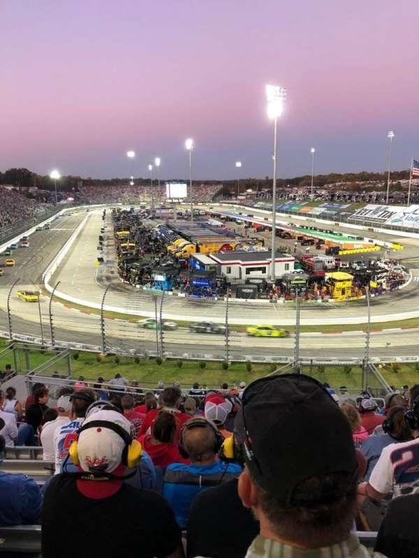 Martinsville Speedway, secção: 102, fila: 26, lugar: 3