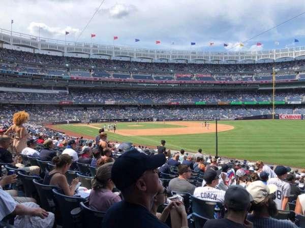 Yankee Stadium, secção: 110, fila: 22, lugar: 6