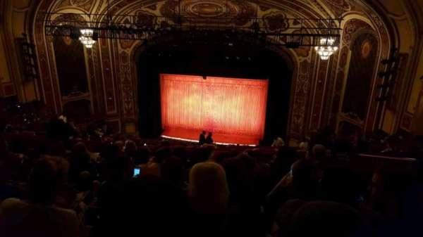 Cadillac Palace Theater, secção: Balcony RC, fila: S, lugar: 328