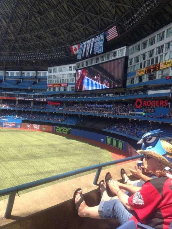 Rogers Centre, secção: 209L, fila: 2, lugar: 105