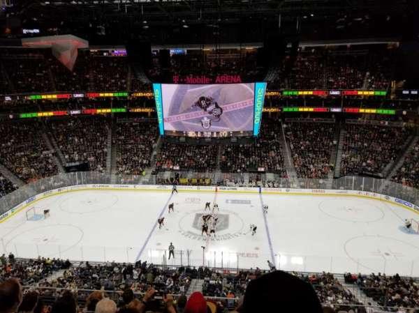 T-Mobile Arena, secção: 223, fila: G, lugar: 18