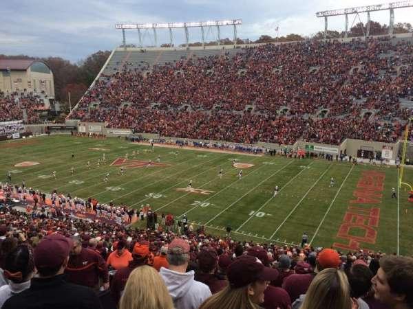 Lane Stadium, secção: 18, fila: HHH, lugar: 18