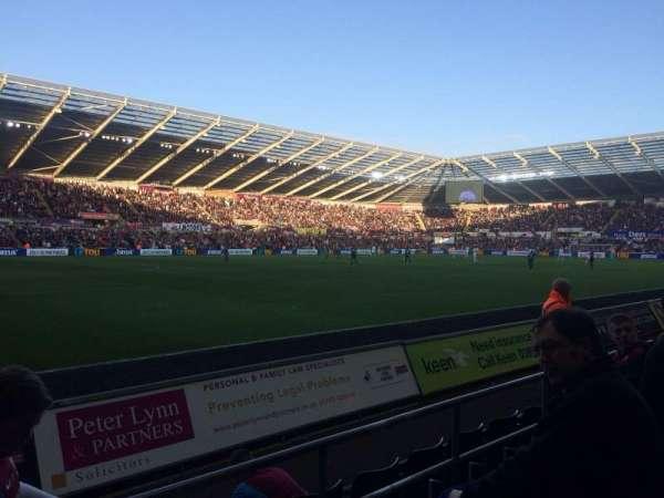 Liberty Stadium, secção: West Stand Lower 9, fila: D, lugar: 253