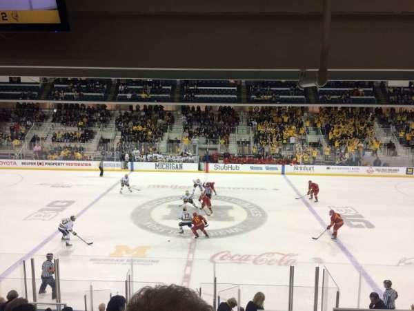 Yost Ice Arena, secção: 4, fila: 16, lugar: 4