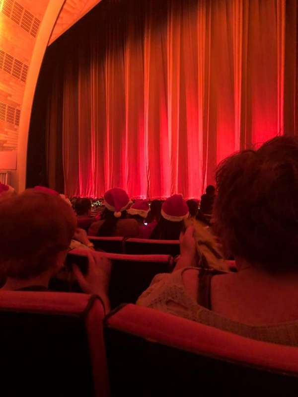 Radio City Music Hall, secção: Orchestra 2, fila: LL, lugar: 206