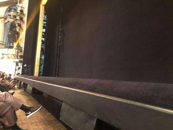 Ambassador Theatre, secção: Orchestra R, fila: CC, lugar: 6