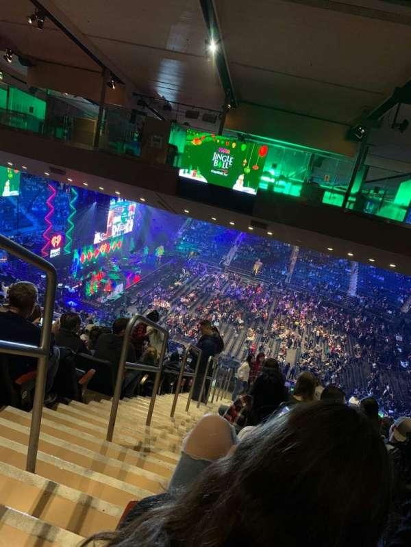 Madison Square Garden, secção: 225, fila: 23, lugar: 1