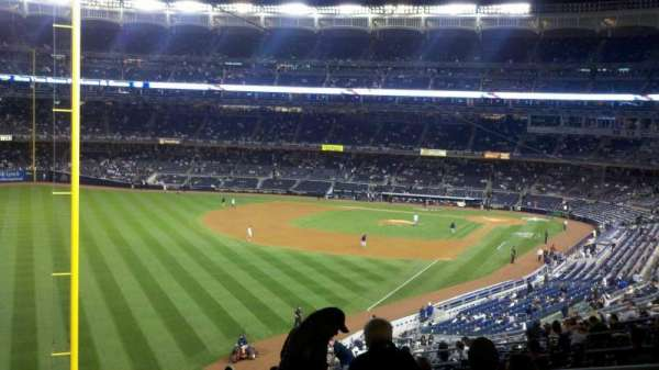Yankee Stadium, secção: 232B, fila: 19, lugar: 2