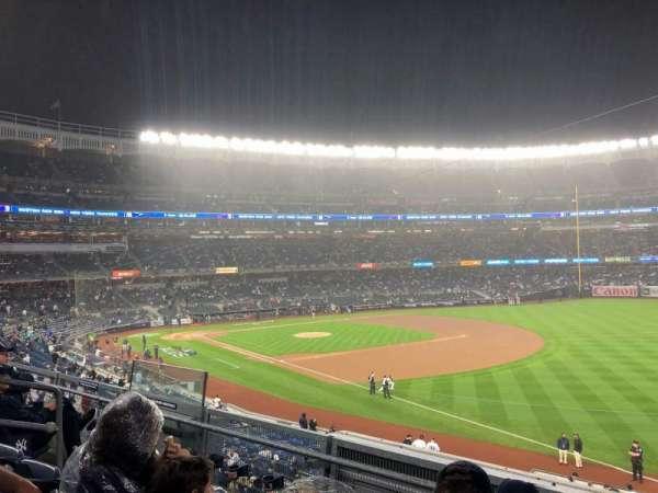 Yankee Stadium, secção: 210, fila: 13, lugar: 11