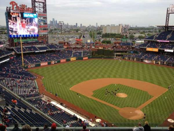 Citizens Bank Park, secção: 422, fila: 12, lugar: 11
