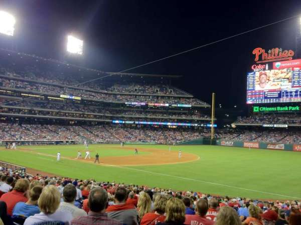 Citizens Bank Park, secção: 111, fila: 31, lugar: 10