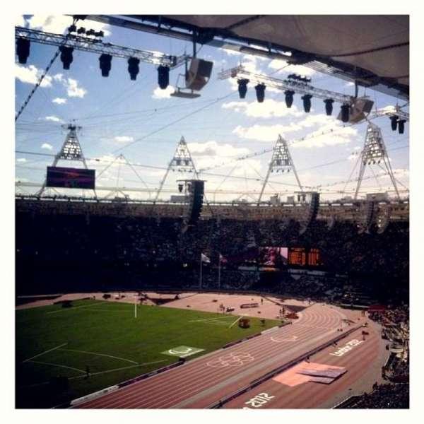 London Stadium, secção: 202, fila: 66, lugar: 634
