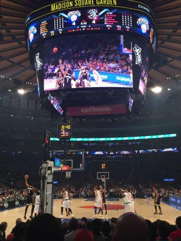 Madison Square Garden, secção: 2, fila: 9, lugar: 18