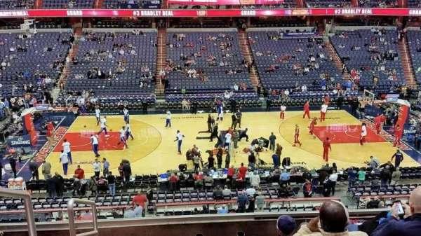 Capital One Arena, secção: 200, fila: F, lugar: 3