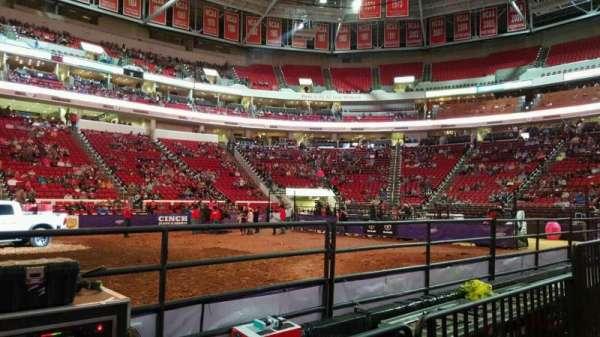PNC Arena, secção: 104, fila: d, lugar: 9