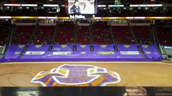 PNC Arena, secção: 220, fila: A, lugar: 7