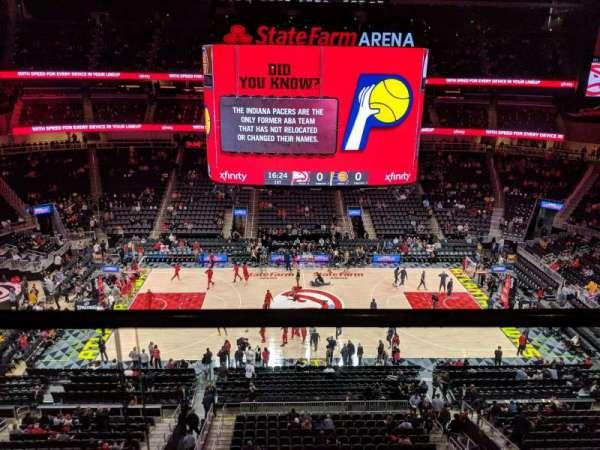 State Farm Arena, secção: 209, fila: A, lugar: 13