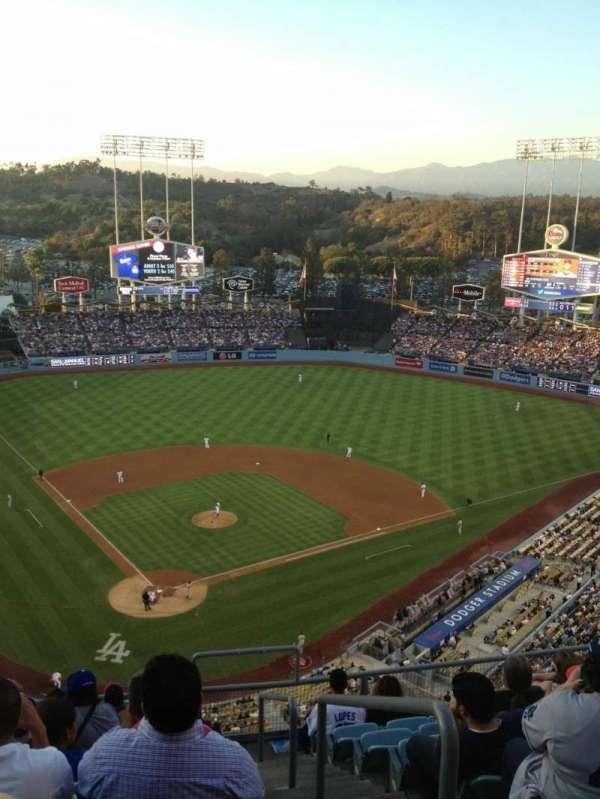 Dodger Stadium, secção: 4TD, fila: J, lugar: 19