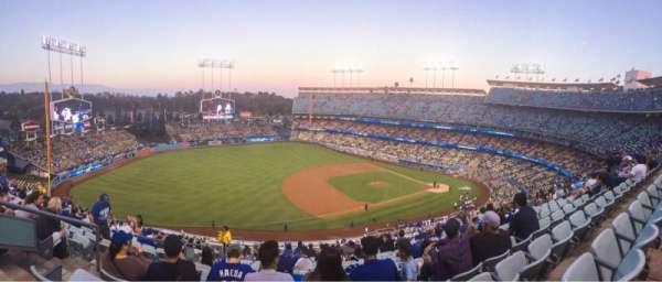 Dodger Stadium, secção: 27RS, fila: S, lugar: 20