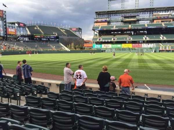 Coors Field, secção: 142, fila: 8, lugar: 8