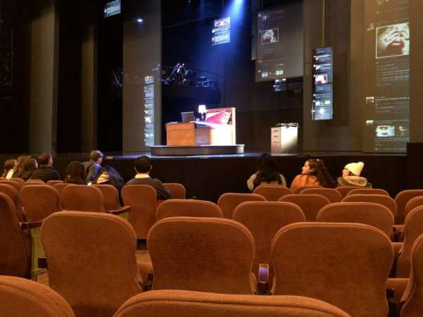Music Box Theatre, secção: Orchestra Right, fila: G, lugar: 8