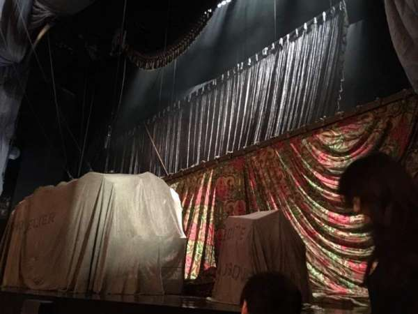 Majestic Theatre, secção: Orchestra Right, fila: BB, lugar: 8