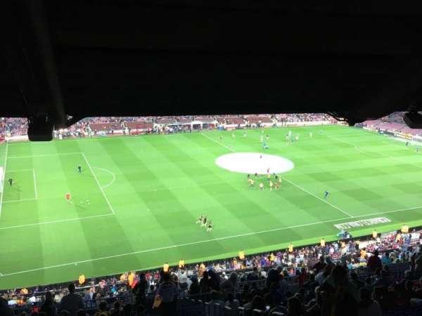 Camp Nou, secção: 331, fila: 29
