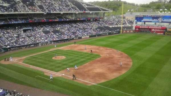 Kauffman Stadium, secção: 434, fila: A, lugar: 1