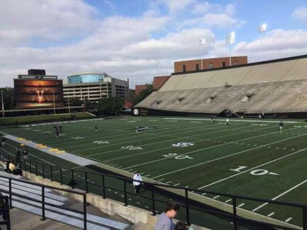 Vanderbilt Stadium, secção: H, fila: 4, lugar: 19